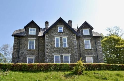 Last Minute Cottages - Adorable Bowness On Windermere Apartment S57463