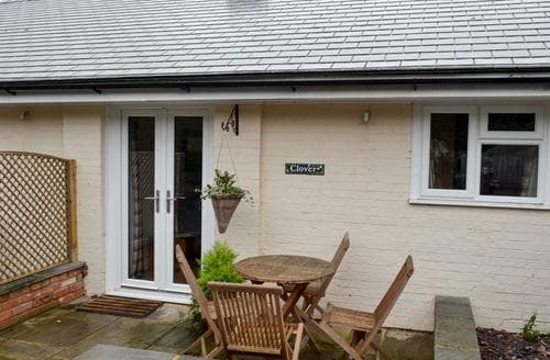 Last Minute Cottages - Tasteful Arundel Cottage S75164