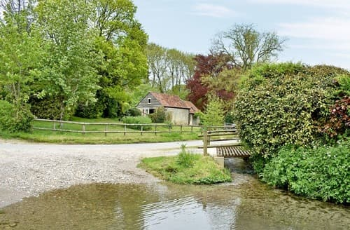 Last Minute Cottages - Luxury Beaminster Cottage S19623