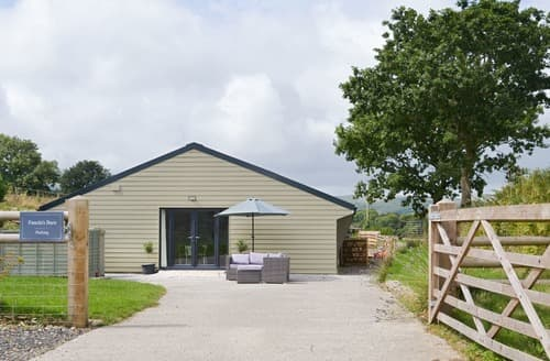 Last Minute Cottages - Fanola's Barn