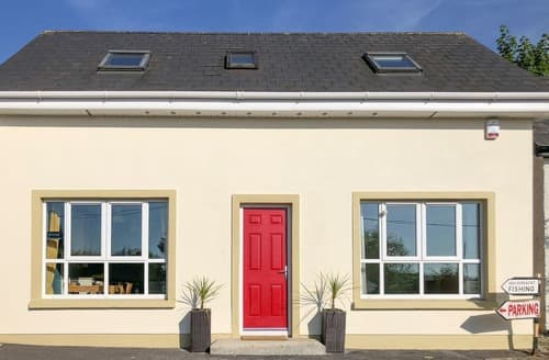 Last Minute Cottages - Superb Enniscorthy Apartment S106046