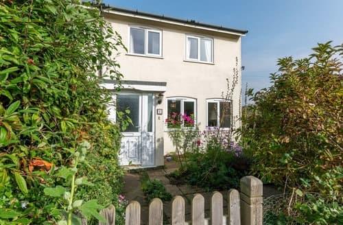 Last Minute Cottages - Quaint Sheringham Cottage S104914