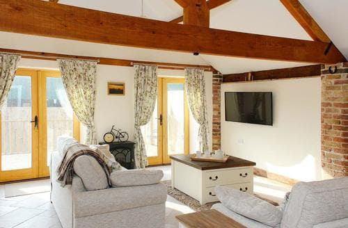 Last Minute Cottages - Lovely Driffield Cottage S74696