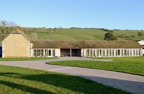Last Minute Cottages - Sutton Farm View