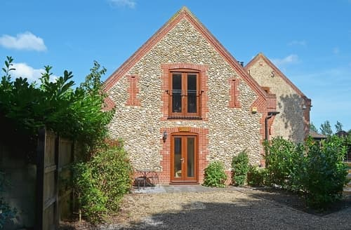 Last Minute Cottages - Tasteful Holt Apartment S41913