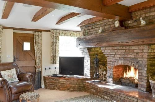 Last Minute Cottages - Walled Garden Lodge