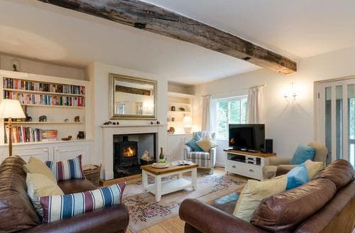 Last Minute Cottages - Quaint Ashbourne Cottage S85406
