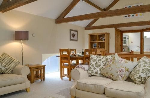 Last Minute Cottages - Westwood Barn