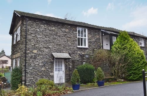 Last Minute Cottages - Attractive Bowness On Windermere Apartment S50210