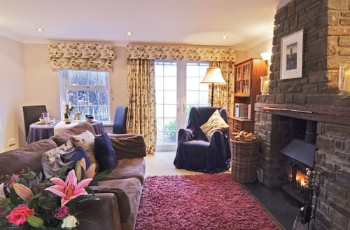 Last Minute Cottages - Delightful Tenby Cottage S21922