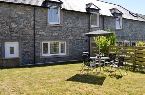 Last Minute Cottages - Kirroughtree Steading