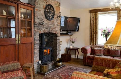 Last Minute Cottages - Luxury Bamburgh Cottage S94305
