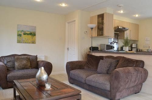 Last Minute Cottages - Bowness Lodge