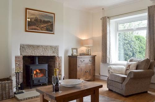 Last Minute Cottages - Cosy Chesterfield Cottage S85798