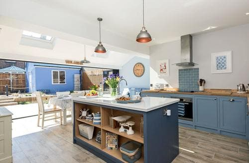 Last Minute Cottages - Charming Sheringham Cottage S98091