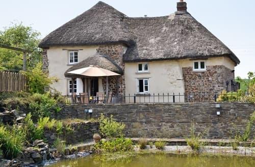 Last Minute Cottages - Quaint Torrington Cottage S19238