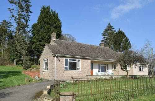Last Minute Cottages - Roundhill