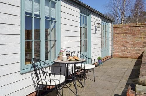Last Minute Cottages - Cosy Claxton Cottage S97619