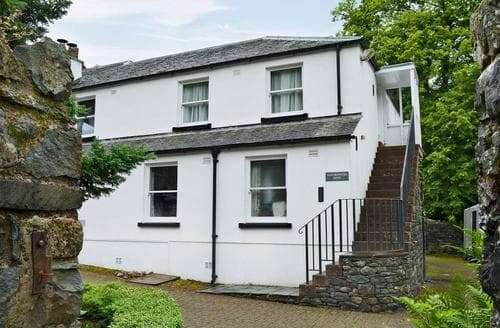 Last Minute Cottages - Charming Keswick Apartment S18544