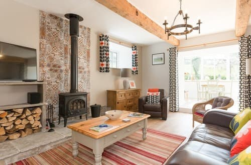 Last Minute Cottages - The Barn, Oak Tree Farm