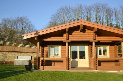 Dog Friendly Cottages - The Vindomora Lodge - UK10388