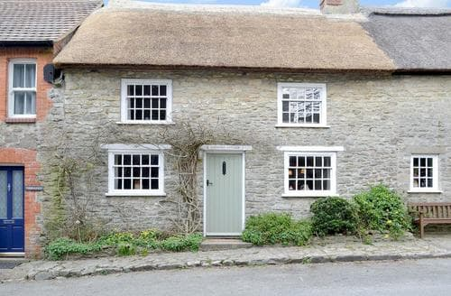 Last Minute Cottages - Superb Bridport Cottage S19719