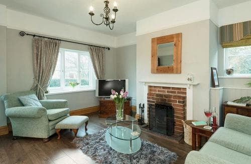Last Minute Cottages - Luxury Thetford Lodge S92825