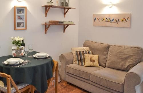 Last Minute Cottages - Lovely Sidmouth Cottage S24604