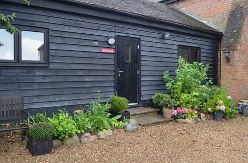 Last Minute Cottages - Lily's Barn