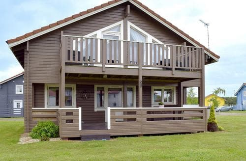 Last Minute Cottages - Captivating Great Yarmouth Lodge S81185