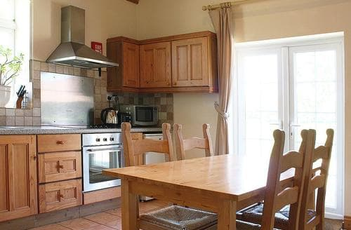 Last Minute Cottages - Valley Farm Cottages