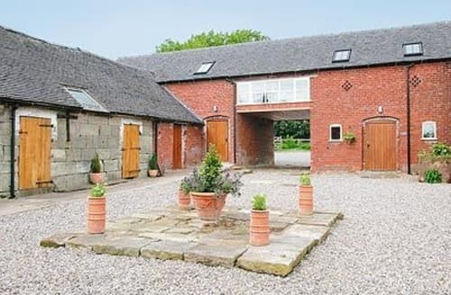 Big Cottages - Gorgeous Leek Cottage S16008