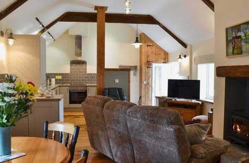 Last Minute Cottages - The Milking Parlour