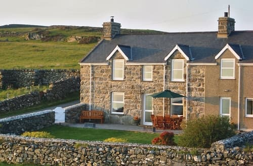 Dog Friendly Cottages - Captivating Harlech Cottage S22284