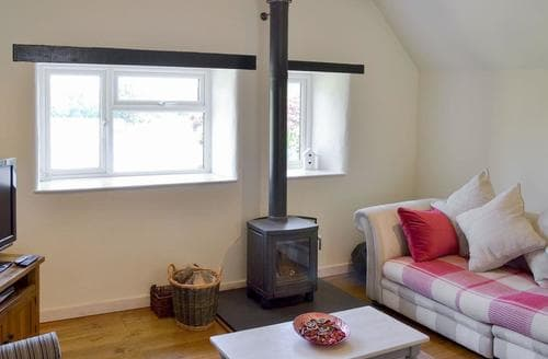 Last Minute Cottages - Barnfield Cottage