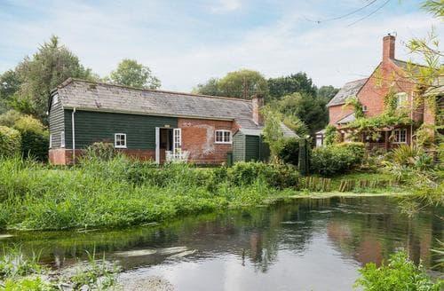 Last Minute Cottages - MILLPOOL COTTAGE