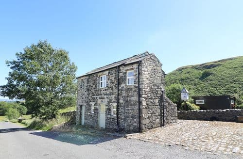 Last Minute Cottages - Meadows Edge