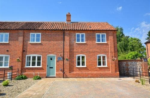 Last Minute Cottages - Quaint North Elmham Rental S11908