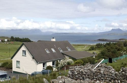 Last Minute Cottages - Attractive Achnasheen Apartment S4644