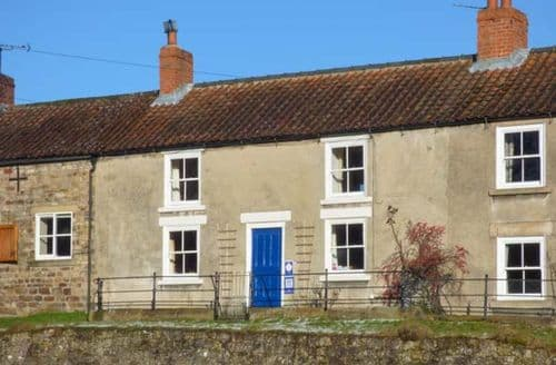 Last Minute Cottages - Primrose Hill Farmhouse