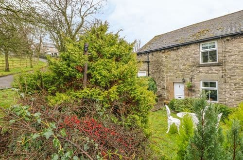 Last Minute Cottages - Wonderful Hope Valley Bank S3113