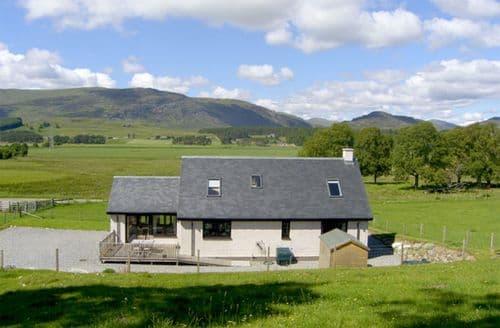 Last Minute Cottages - Quaint Newtonmore Rental S4676