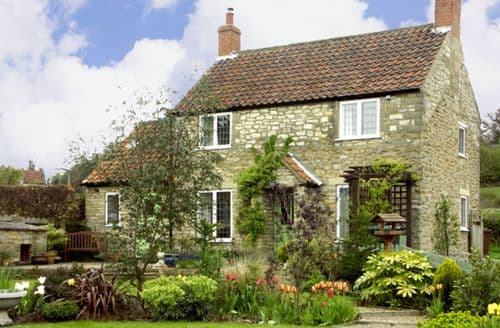 Last Minute Cottages - Howe Green Cottage