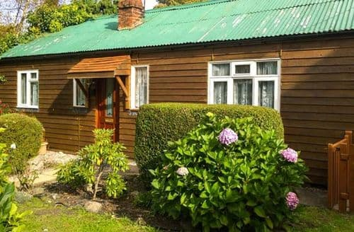 Last Minute Cottages - Llwyn Onn