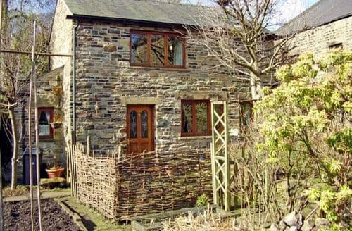 Last Minute Cottages - Excellent Glossop Cottage S3153