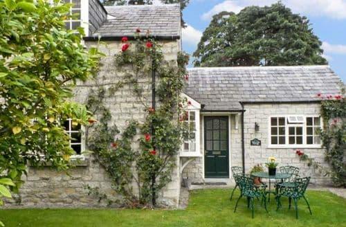 Last Minute Cottages - Waterside Cottage
