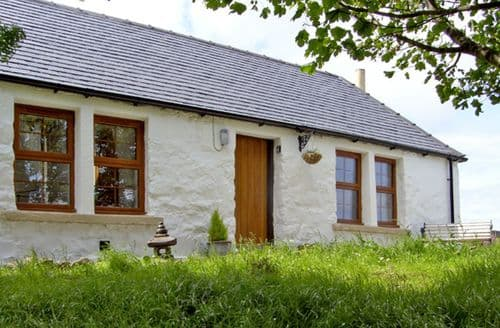 Last Minute Cottages - Gorgeous Portree Cottage S4780