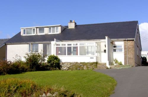 Last Minute Cottages - Trem y Mor
