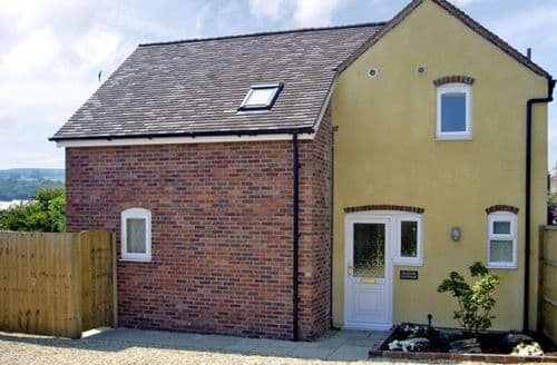 Last Minute Cottages - Lovely Ludlow Cottage S2138