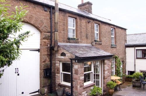 Big Cottages - Captivating Carlisle Cottages S3306